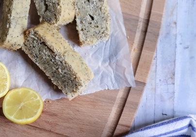 vegan plumcake lemon and poppy seeds