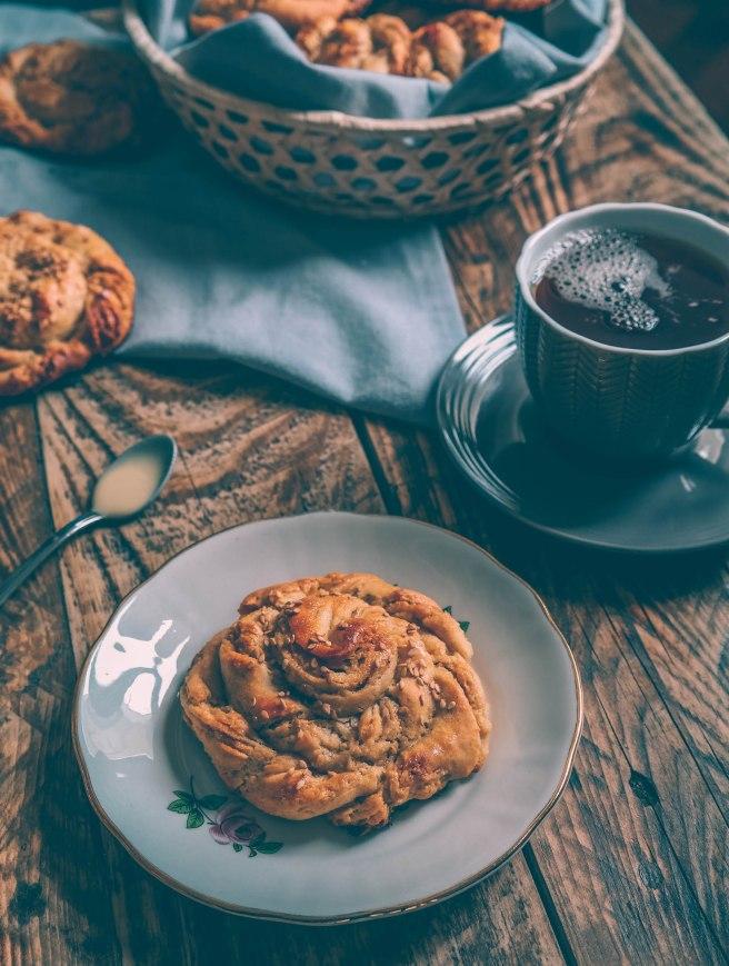 vegan sweet tahini bread