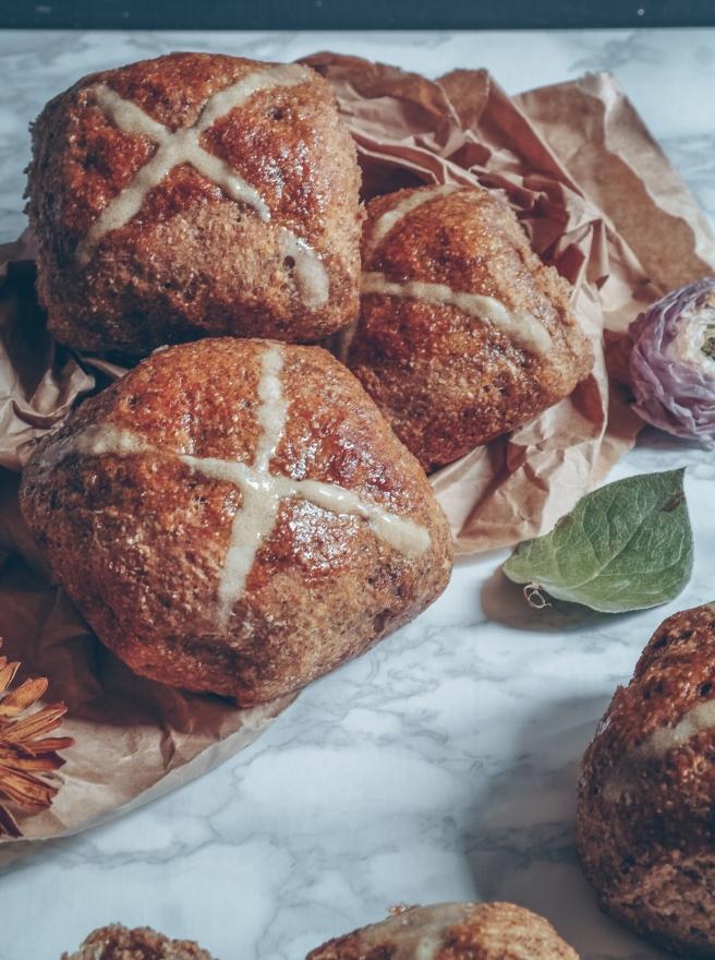 vegan easter hot cross buns